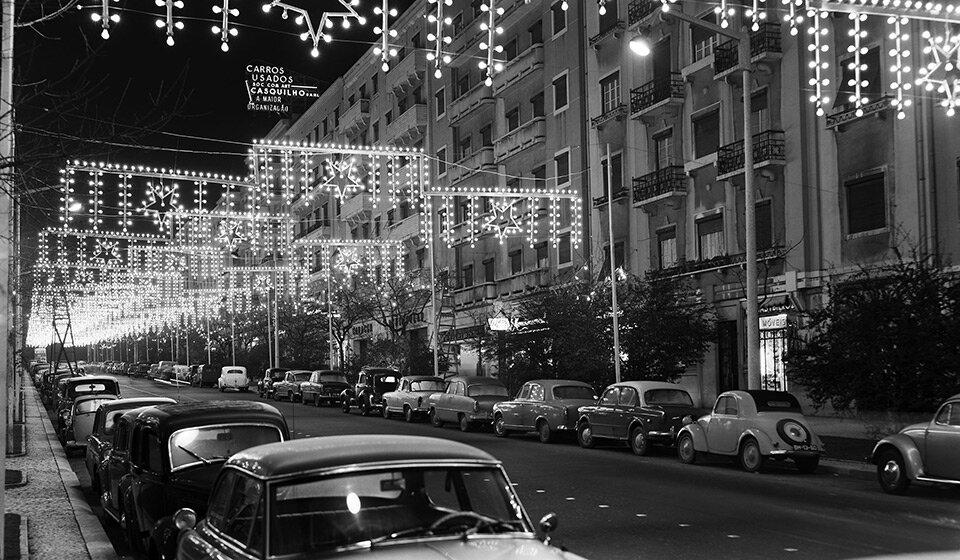 Рождественская иллюминация на Baixa, Лиссабон, 1960-е. Фото Estúdio Horácio Novais