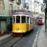Трамвай на узких улочках