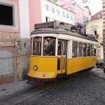 Трамвай №12 карабкается на склон