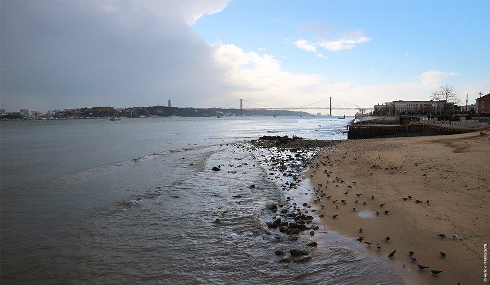 Погода в Лиссабоне по месяцам