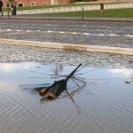 Ветер в Лиссабоне ломает зонты